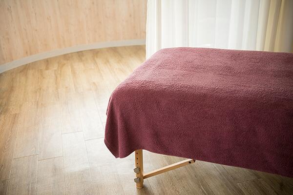 施術ベッド風景